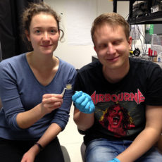 Students from Kiel build flexible organic light emitting diodes (OLEDs)